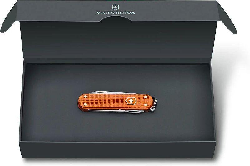 VICTORINOX Zatvárací nôž CLASSIC Alox LE 2021 - oranžový (0.6221.L21)
