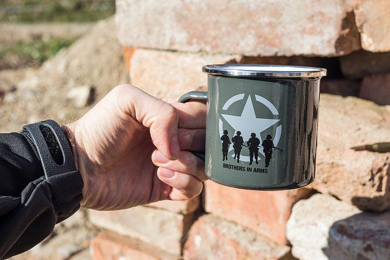 FOSTEX GARMENTS Hrnček Brothers in Arms - zelený