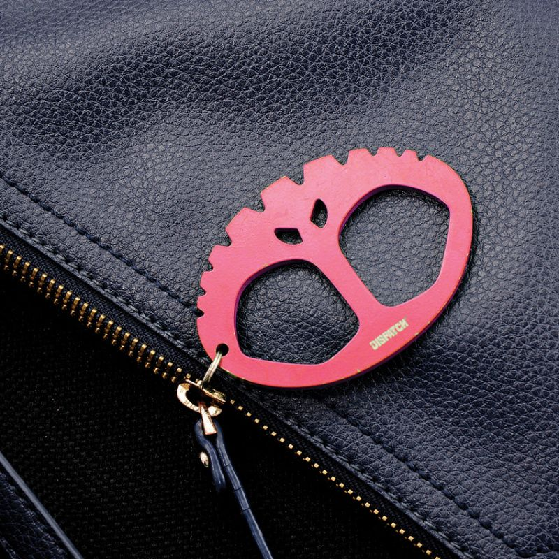 Prívesok na kľúče Coleman Dispatch Key Chain Red (CMNDP9007RD)