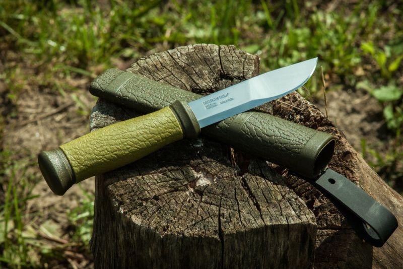 MORAKNIV Nôž s pevnou čepeľou Outdoor 2000 - Stainless Steel - zelený, (NZ-200-SS-02)